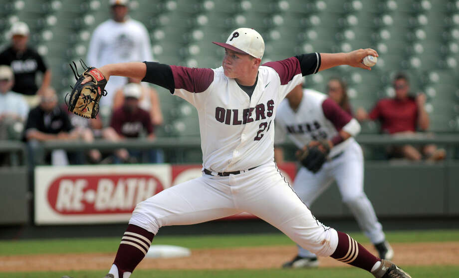 Pearland pitcher Jake Crain had a solid senior season for the Oilers, lasting all the way to the UIL Class 5A State Baseball Tournament. Photo: Jerry Baker, Freelance