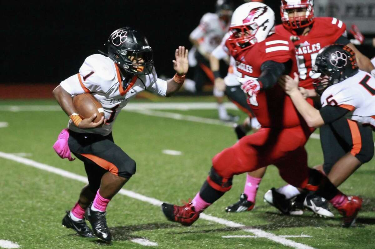 St. Pius X running back Micah Massey has been a key player for the Panthers this season.