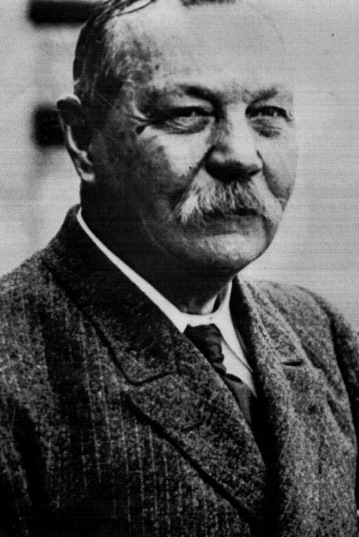 Sir Arthur Conan Doyle, author of the Sherlock Holmes detective series, in an undated archive photo. (Archive)