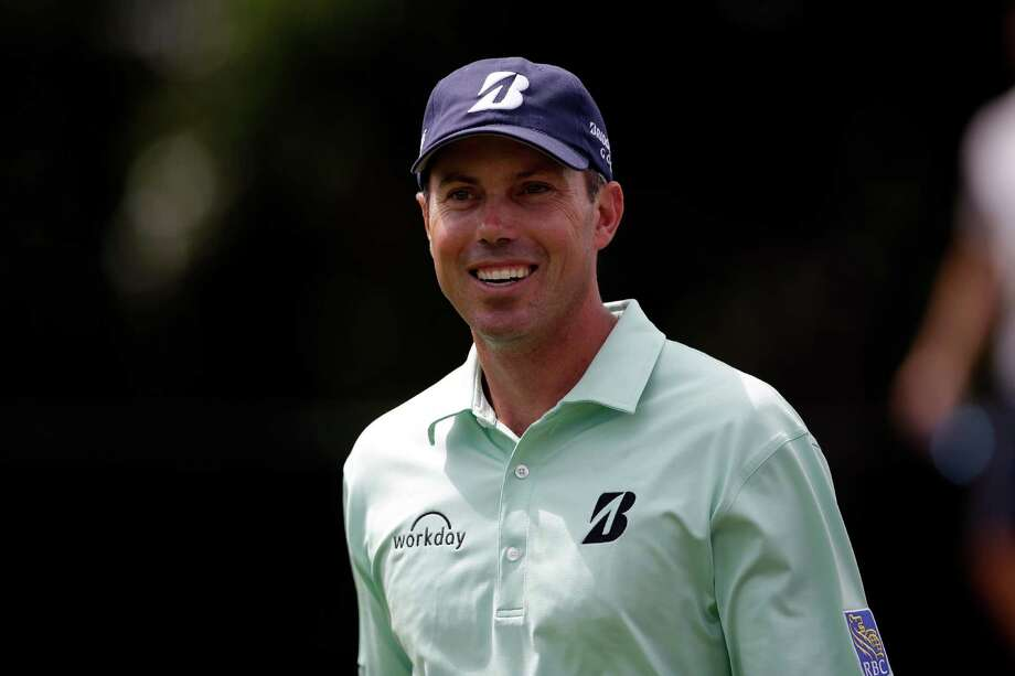 Matt Kuchar walks down the 16th fairway during the third round of the Byron Nelson Championship golf tournament, Saturday, May 17, 2014, in Irving, Texas. (AP Photo/Tony Gutierrez) Photo: Tony Gutierrez, STF / AP