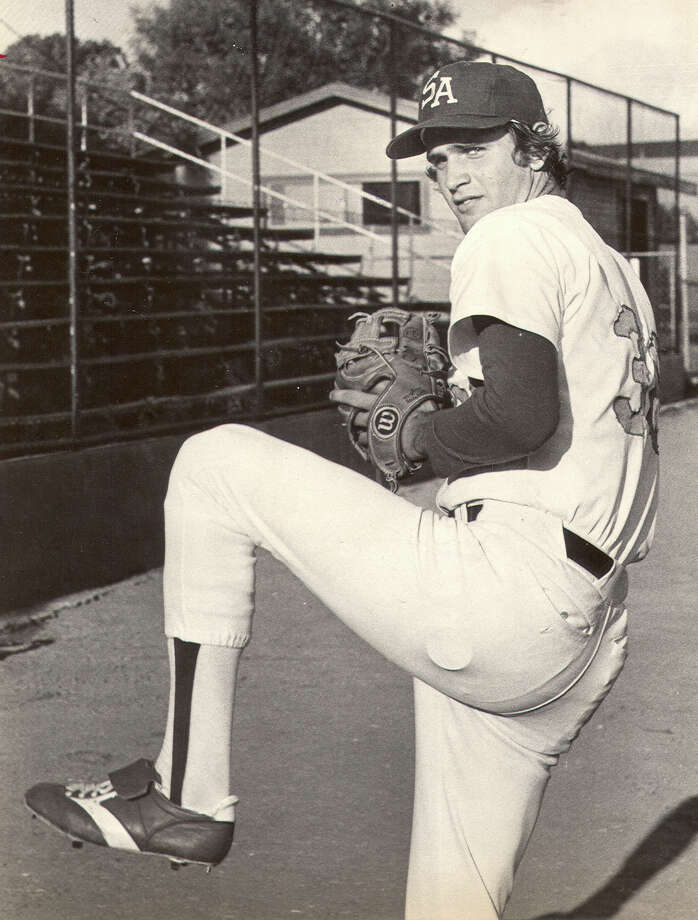 Bob Welch made his pro debut with the S.A. Dodgers in 1977 after being a first-round draft pick out of Eastern Michigan. Photo: EXPRESS-NEWS FILE PHOTO