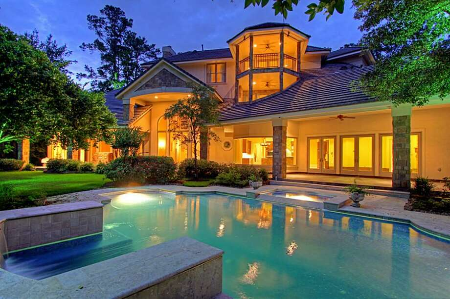 This inviting Woodlands home has the perfect outdoor space. Photo: Houston Association Of Realtors