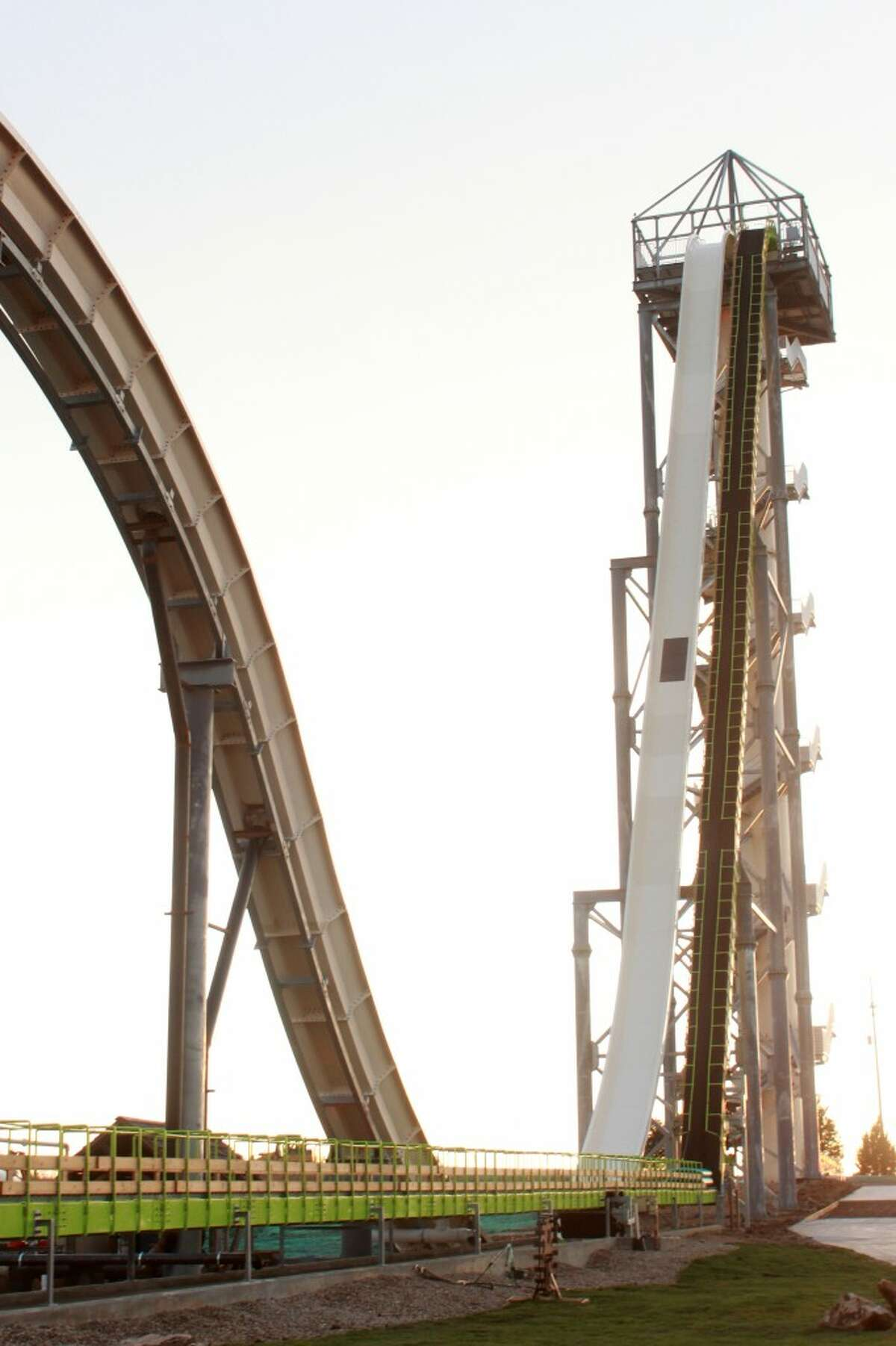 The slide is a Guinness-certified world record holder for the world's tallest water slide. It beat out the Insano in Brazil, which is 134 feet tall.That makes Verruckt taller than Niagara Falls, which is 167 feet tall.