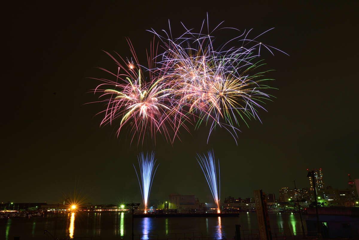 Have your ashes incorporated into a fireworks show Houston's Distinctive Life Cremations and Funerals offers the chance to have your cremated remains scattered in fireworks.