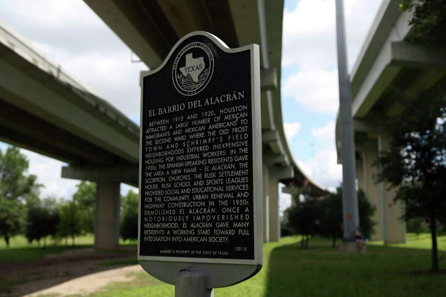 A historical marker at James Bute Park informs the public of the history of 'El Barrio Del Alacran' in the Second Ward on June 3, 2014, in Houston, Tx. Photo: Mayra Beltran, Houston Chronicle / © 2014 Houston Chronicle