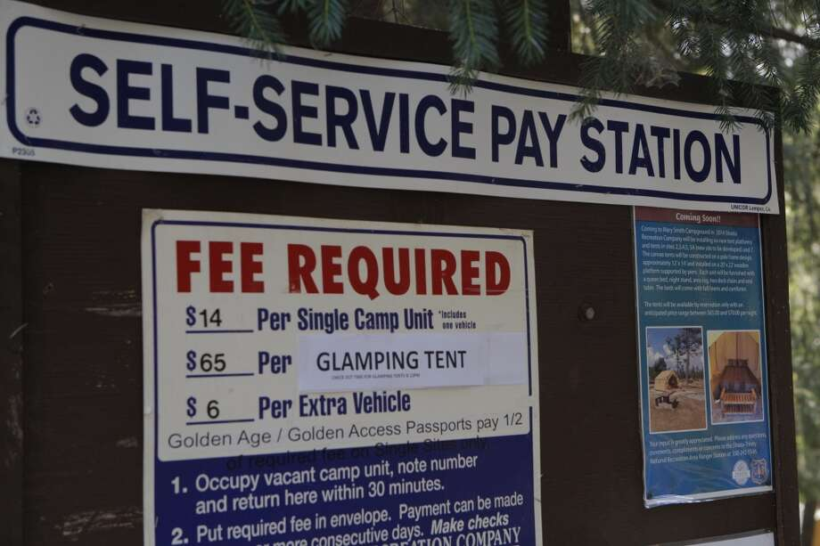Self-pay at station when no reservation and there's space available Photo: Tom Stienstra