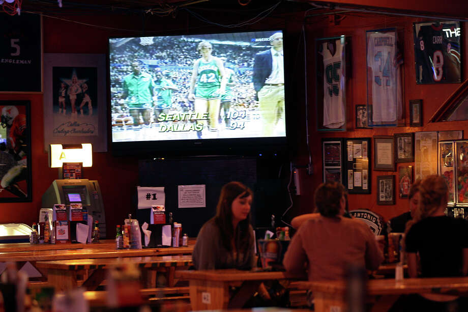 Fatso's Sports Garden, 1704 Bandera Road in San Antonio, 210-432-0121,fatsossportsgarden.comIf you're looking for a family-friendly sports bar and restaurant to watch the World Cup, Fatso's should be on the short list. The spot, a repeat winner of the Express-News Readers' Choice Award for best sports bar in the city, packs 'em in during Cowboys and Spurs games with its TVs (10 big screens and 11 32-inch screens), picnic-table seating and hot wings. Photo: JERRY LARA, San Antonio Express-News / SAN ANTONIO EXPRESS-NEWS