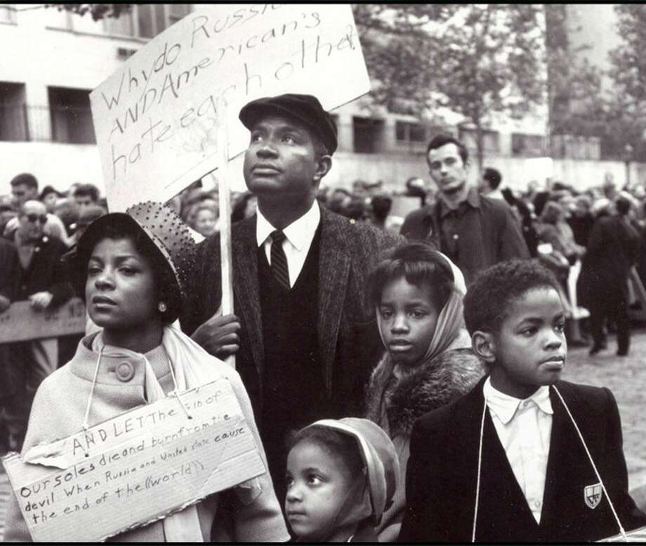 Ruby Dee, Ossie Davis and their three children (including future blues musician and actor Guys Davis) protesting
