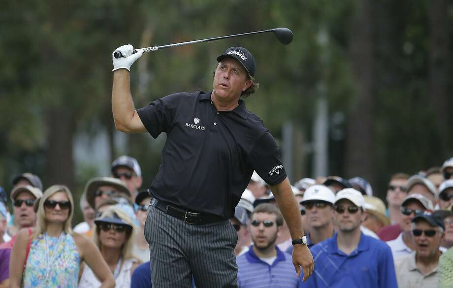 Despite iffy putting, Phil Mickelson shot even-par 70 in the opening round of the U.S. Open at Pinehurst. Photo: Matt York, Associated Press