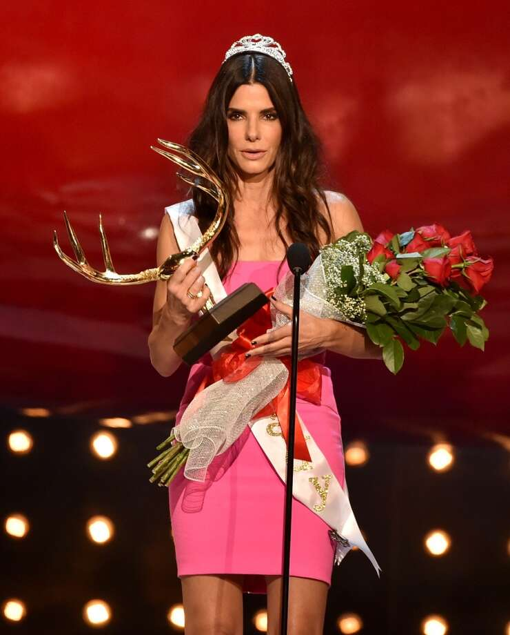 "Actress Sandra Bullock accepts the Decade of Hotness award onstage during Spike TV's ""Guys Choice 2014"" at Sony Pictures Studios on June 7, 2014 in Culver City, California. Photo: Kevin Winter, Getty Images For Spike TV"
