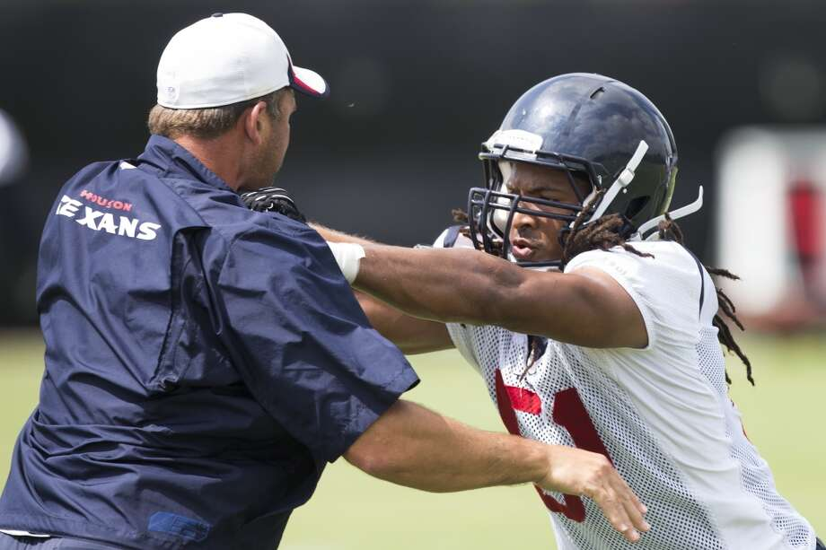 Linebacker Paul Hazel (51) runs a drill during. Photo: Brett Coomer, Houston Chronicle