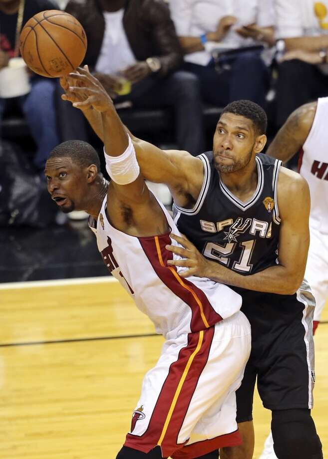 Also in game 4 of the NBA Finals, Tim Duncan made history when he set the NBA record for most minutes played in the playoffs with 8,869. Again, he passed a Laker great, this time it was ... Photo: Edward A. Ornelas, San Antonio Express-News