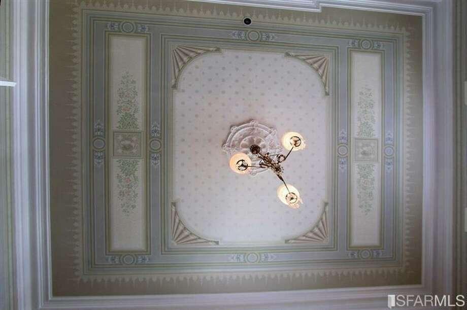 A bedroom ceiling Photo: SFARMLS