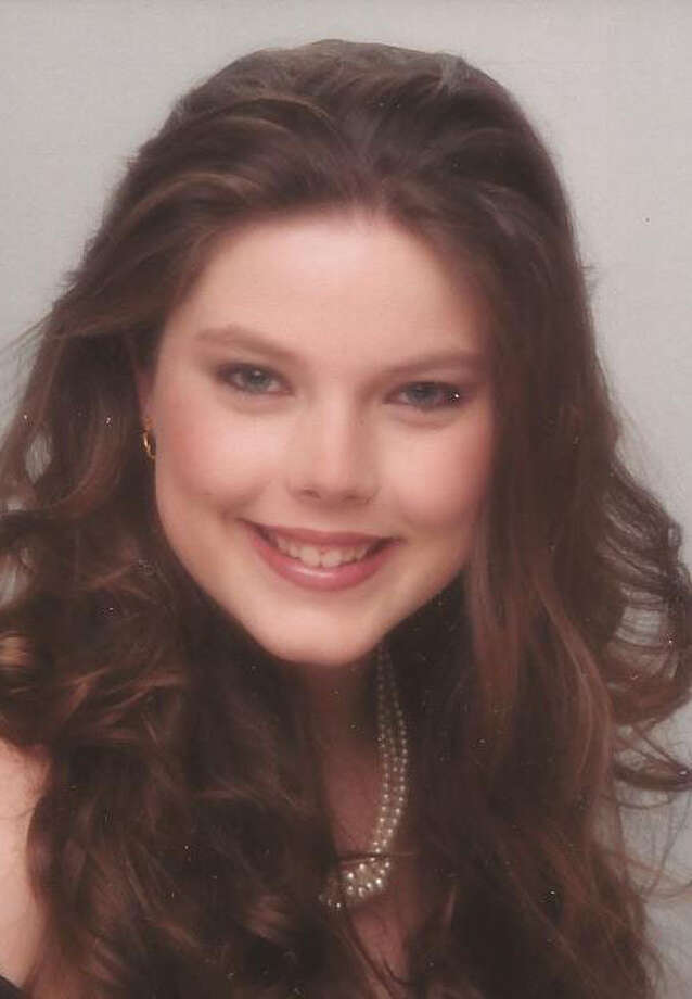 Amber Lynne Fernald  (W.J. Lyons Jr. Funeral Home)