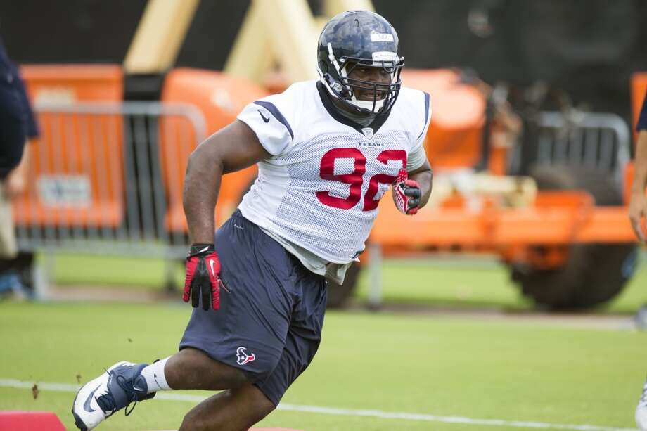 Texans nose tackle Louis Nix III runs a drill. Photo: Brett Coomer, Houston Chronicle