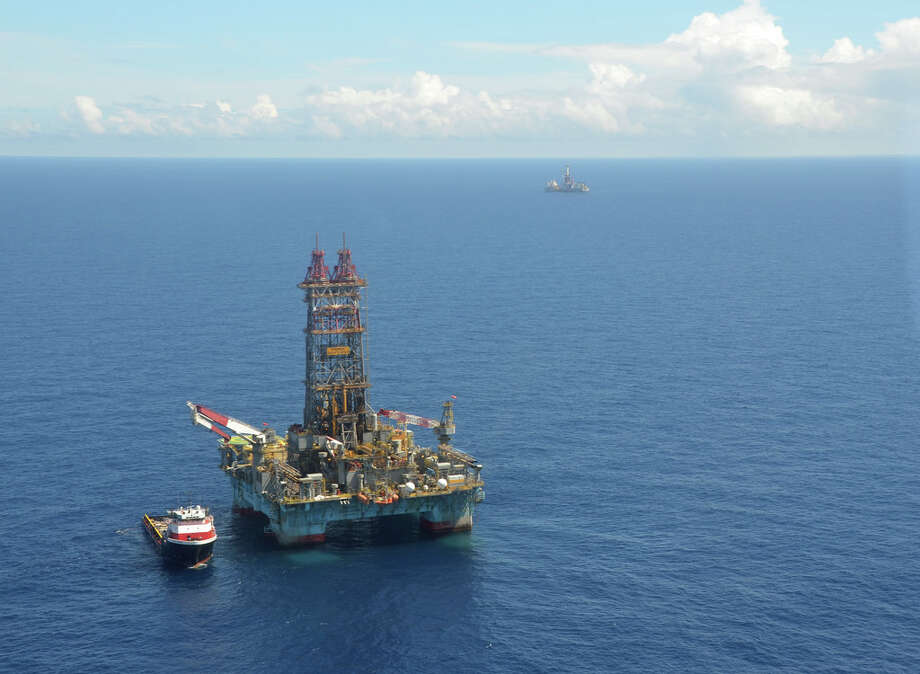 The Maersk Developer drills an exploratory well into Statoil's Martin prospect in the Gulf of Mexico. Two years ago, Statoil paid $157 million for the right to drill into a single 9-square-mile block at the site and the Norwegian company is now spending about $1.1 million a day to rent the Developer, supply the drilling rig and pay for other contractors. (Jennifer A. Dlouhy / Houston Chronicle)