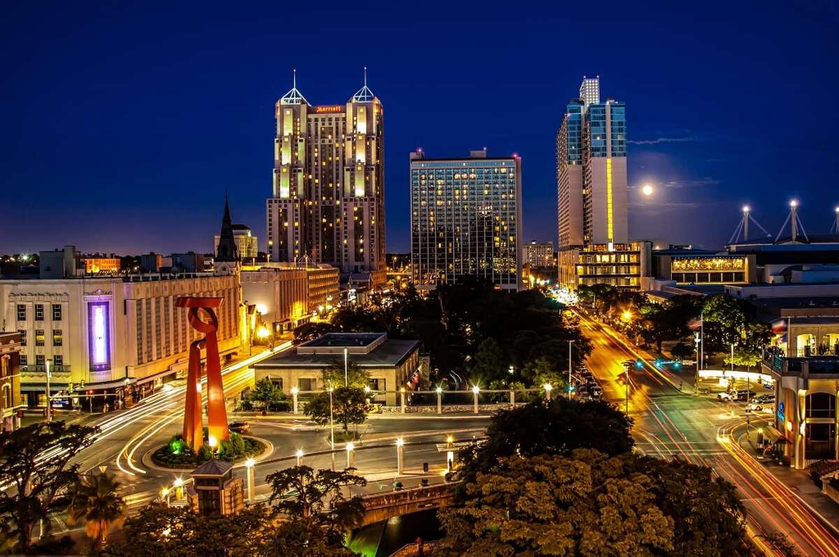 9. San Antonio, Texas Overall satisfaction rating: 3.3 Most in-demand jobs: Customer service representative, bartender, restaurant manager Highest-rated companies hiring in San Antonio: University of Texas at San Antonio, HEB, USAA