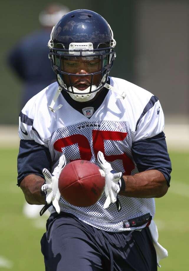 Eddie Pleasant makes a catch. Photo: Melissa Phillip, Houston Chronicle