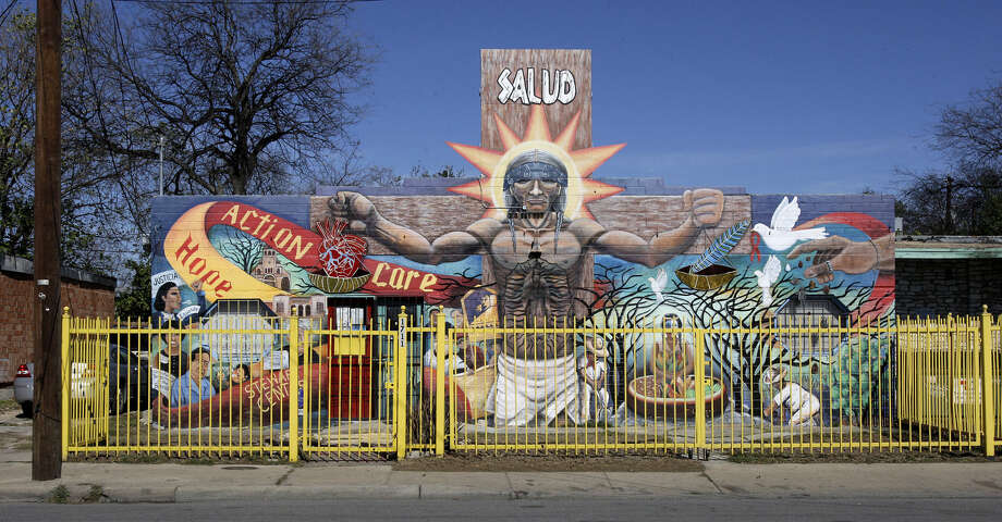 Get introduced to public art on the West Side during one of the Mural Tours offered by San Anto Cultural Arts. Photo: Express-News File Photos / glara@express-news.net