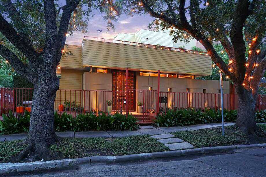 It's Montrose living at its finest in this colorful modern home. Photo: Houston Association Of Realtors