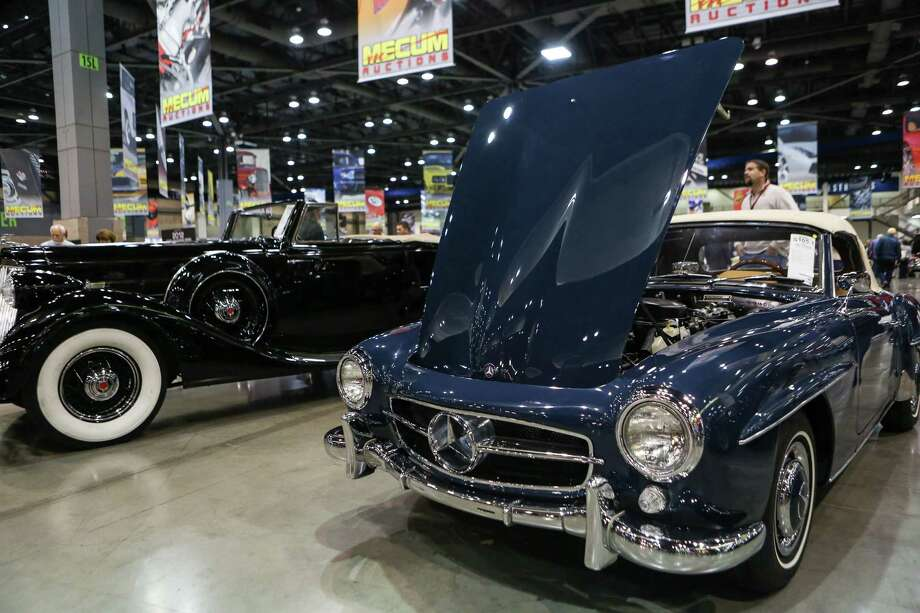 A 1960s Mercedes Benz Roadster is shown. Photo: JOSHUA TRUJILLO, SEATTLEPI.COM / SEATTLEPI.COM