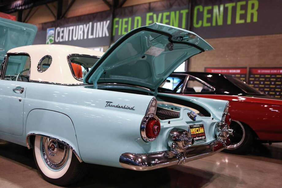 A 1955 Ford Thunderbird is shown. Photo: JOSHUA TRUJILLO, SEATTLEPI.COM / SEATTLEPI.COM