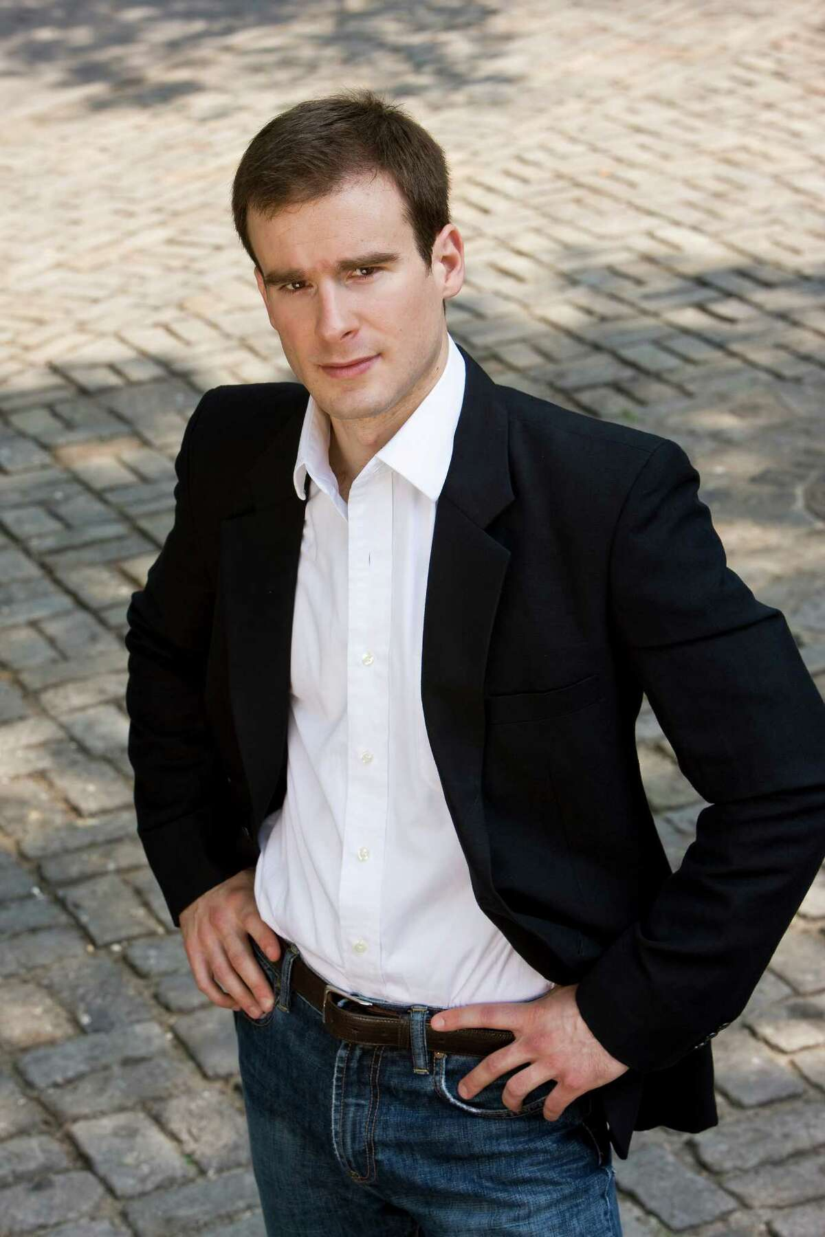 Vladimir Kulenovic will conduct the Houston Symphony in the Miller Outdoor Theatre. Vladimir Kulenovic, conductor