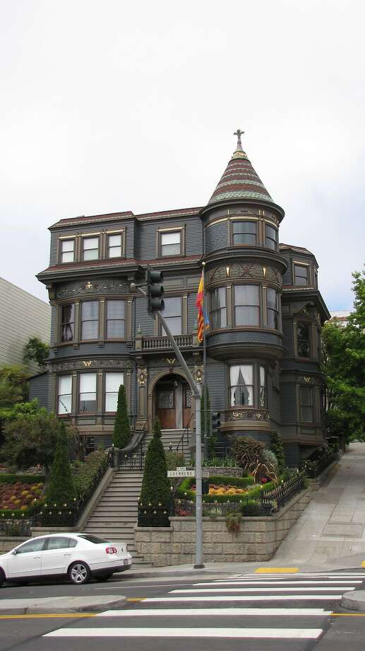 900 Guerrero St. | Architect: Charles Havens | Style: Queen Anne | Size: 3 stories | Date built: 1895 Photo: John King