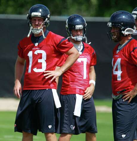 T.J. Yates (13) and Case Keenum (7) will have three more practices to make an impression as they compete for the backup quarterback spot. Photo: Melissa Phillip, Staff / © 2014  Houston Chronicle