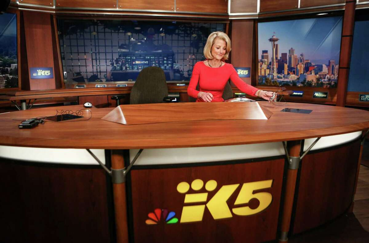 KING/5 News anchor Jean Enersen removes her microphone on her final night as regular anchor of the KING/5 evening news.
