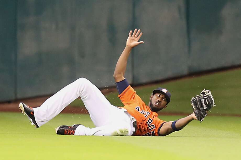Astros shortstop Jonathan Villar catches the ball during third the inning. Photo: James Nielsen, Houston Chronicle