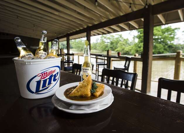 27. Pine Tree Lodge,3296 Pinetree Road.TripAdvisor users say this Taylor's Bayou spot offers great atmosphere, good scenery and a vareity of food and drink options.