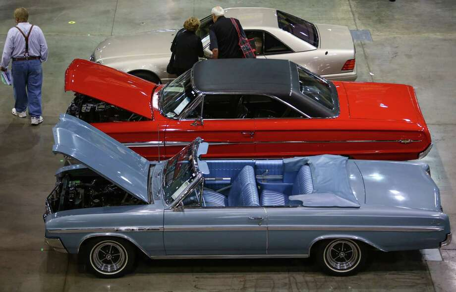 Mecum Auction brings hundreds of classic, rare cars to Seattle ...