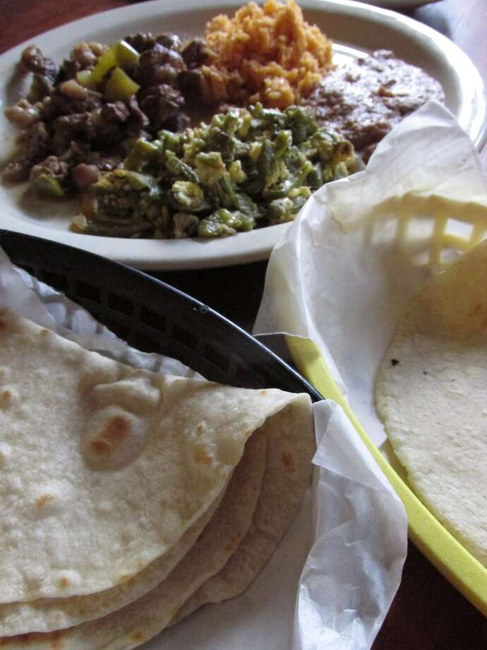 Fajita beef plate with homemade flour and corn tortillas at La Casita in Beaumont. Photo: Grace Mathis/cat5