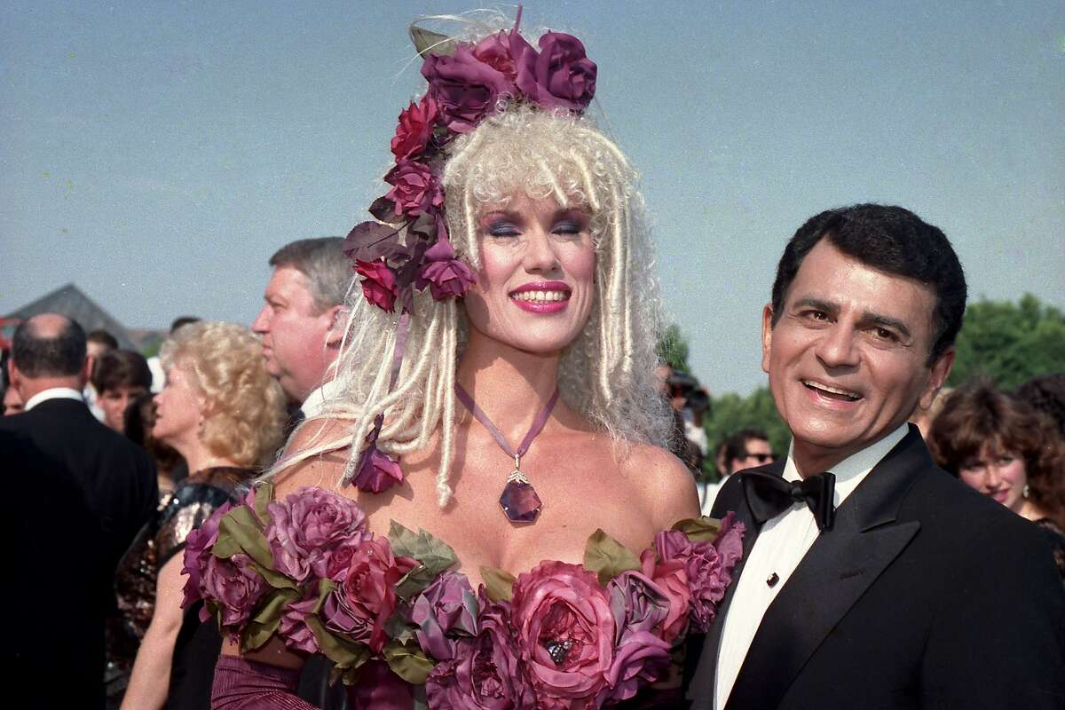 FILE - In this Sept. 20, 1987 file photo, Casey Kasem, along with his wife Jean Kasem arrives at the Emmy Awards in Los Angeles. Kasem, the smooth-voiced radio broadcaster who became the king of the top 40 countdown, died Sunday, June 15, 2014, according to Danny Deraney, publicist for Kasem's daughter, Kerri. He was 82. (AP Photo/File)