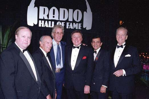 "FILE - In this Nov. 15, 1992 file photo, Bruce Dumont, president of the Museum of Broadcast Communication, far left, stands with inductees, from left, ABC radio pioneer Leonard Goldenson, country music's Porter Wagoner, Detroit radio personality J.P. McCarthy, and ""Top 40"" host Casey Kasem, into the museum's Hall of Fame in Chicago, Ill.  Also participating in the ceremony is Paul Harvey, far right. Kasem, the smooth-voiced radio broadcaster who became the king of the top 40 countdown, died Sunday, June 15, 2014, according to Danny Deraney, publicist for Kasem's daughter, Kerri. He was 82. Photo: Fred Jewell, AP / AP"