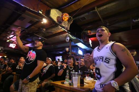 Spurs To Celebrate Win Wednesday In River Parade San