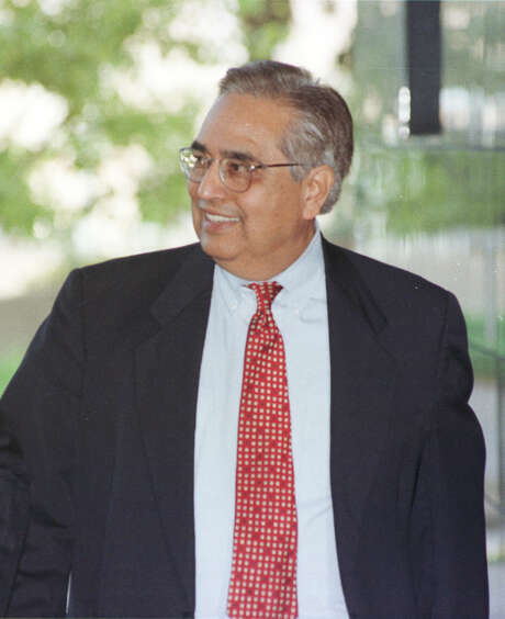 John Castillo, a Hispanic activist and political strategist who served three terms on City Council, died over the weekend. Photo: Ben DeSoto, Houston Chronicle / Houston Chronicle
