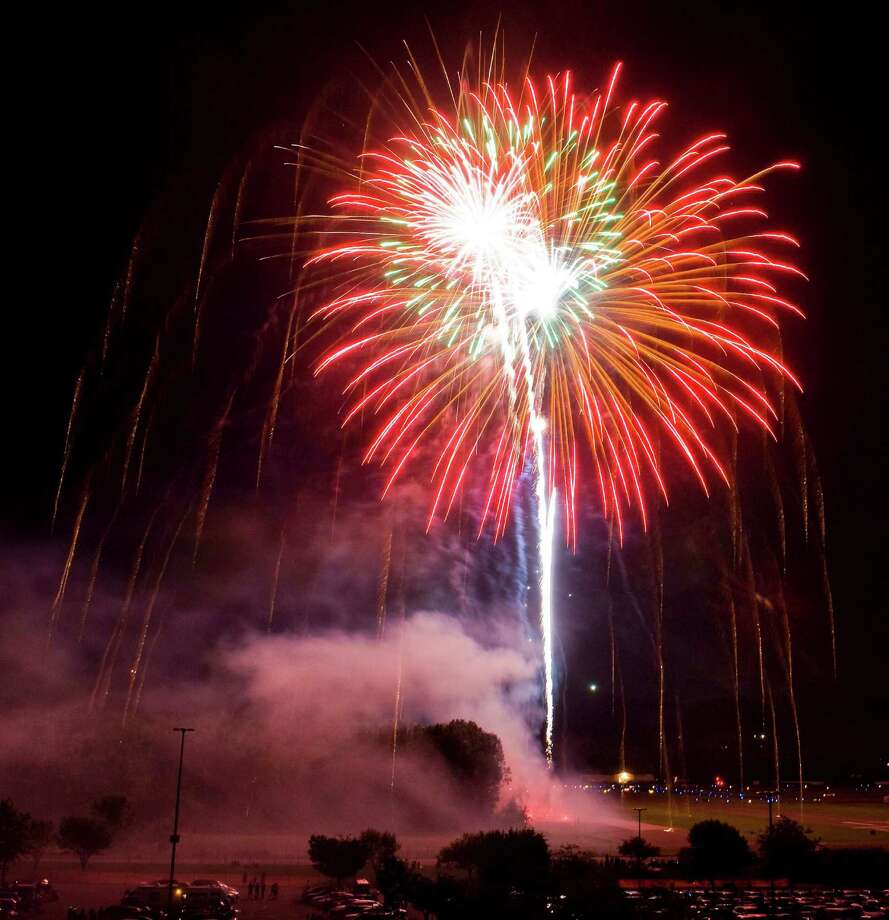 The Danbury Fair Mall annual fireworks display was the top vote-getter in Hearst Connecticut Media's 'Best of Summer: Fireworks' poll. The display will be held on Thursday, July 3. Photo: Scott Mullin / The News-Times Freelance
