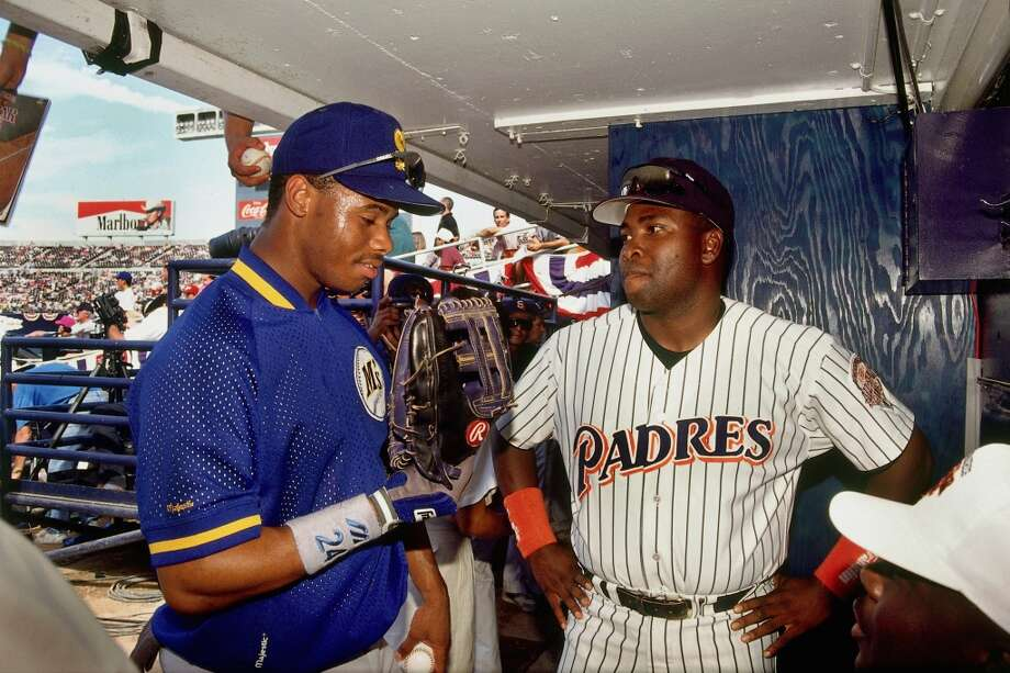 Ken Griffey Jr., left, talks with Tony Gwynn of the San Diego Padres at prior to the 1992 All-Star Game on July 14, l992 in San Diego, California. Photo: Ronald C. Modra/Sports Imagery, Getty Images