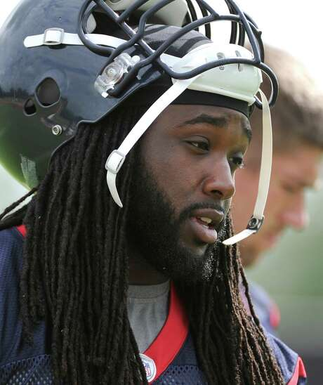 Fourth-year offensive tackle Derek Newton knows he has plenty to prove to the new coaching staff, which last week declared him a starter. Photo: Pat Sullivan, STF / AP
