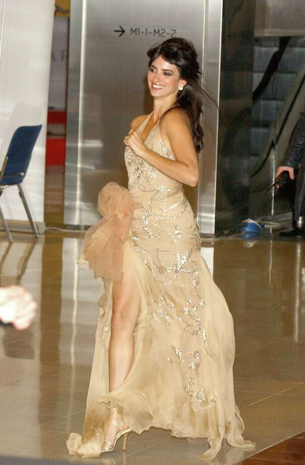 2004Penelope Cruz during European Film Academy Awards at The Forum in Barcelona, Spain. Photo: Lalo Yasky, Getty / WireImage