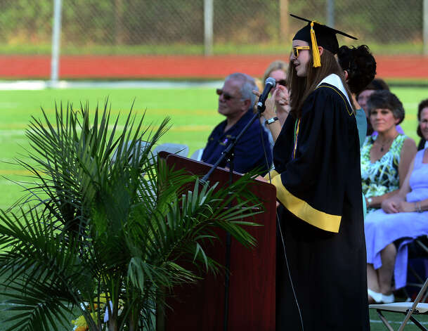 salutatory address Thanks and farewells abound in this elementary school graduation speech by graduate this graduation is always going to be a lovely mixture of expectations for.