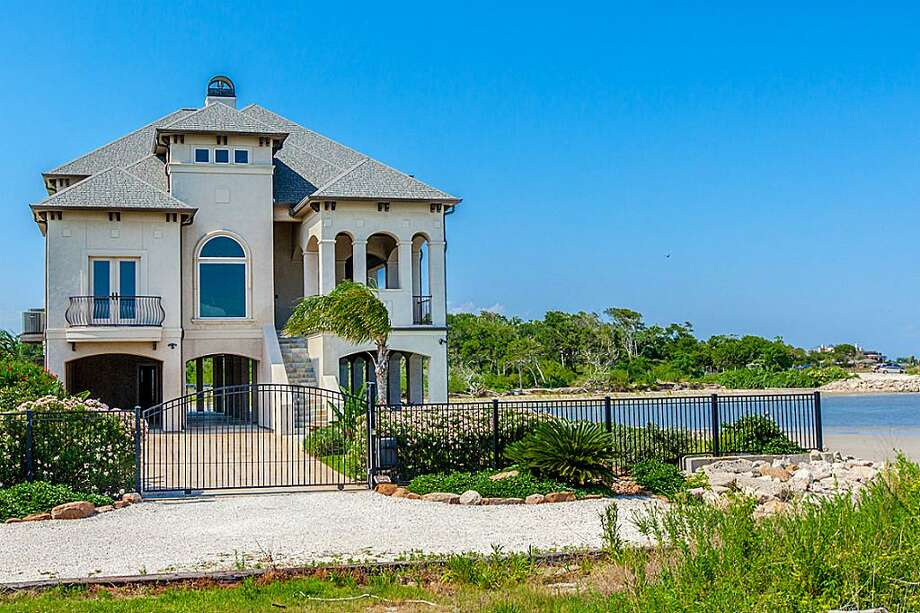 This Seabrook home is a seaside paradise. Photo: Houston Association Of Realtors