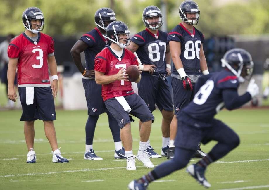 Texans quarterback Case Keenum (7) drops back to pass. Photo: Brett Coomer, Houston Chronicle