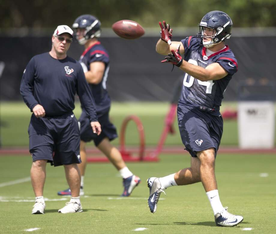 Texans tight end Ryan Griffin (84) reaches out to make a catch. Photo: Brett Coomer, Houston Chronicle