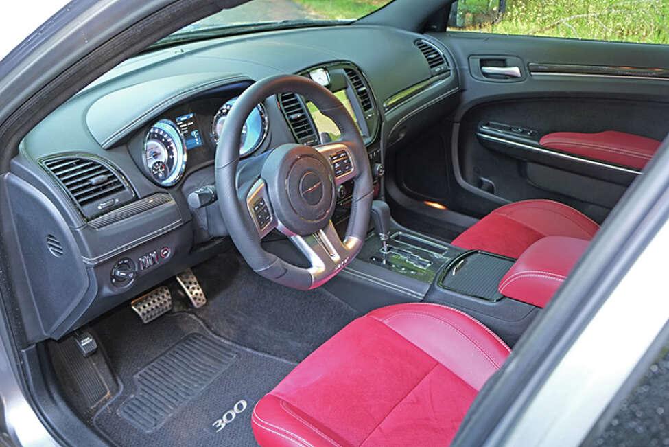 2014 Chrysler 300 SRT (photo © Dan Lyons)