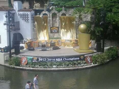 The Arneson River Theatre is decked out to honor the Spurs before the start of the Spurs River Parade on Wednesday, June 18, 2014. Photo: Edwin Delgado/San Antonio Express-News