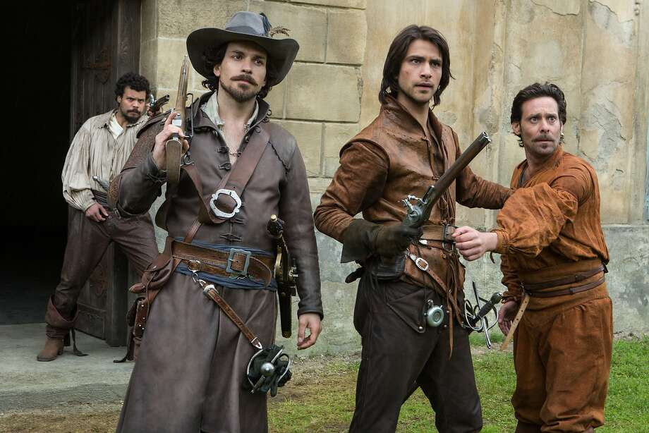 THE MUSKETEERS Porthos (HOWARD CHARLES), Aramis (SANTIAGO CABRERA), DÕArtagnan (LUKE PASQUALINO) and Emile Bonnaire (JAMES CALLIS) Photo: Larry Horricks, BBC America