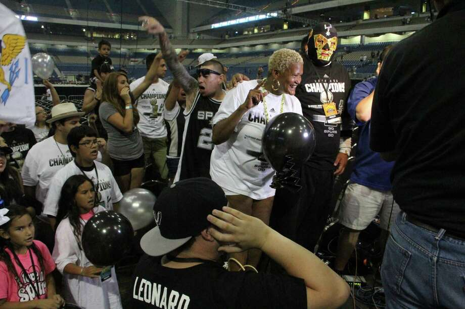 Spurs fans fill the Alamodome with yells and chants as they celebrate their fifth championship. Photo: By Jacob Beltran, For MySA.com